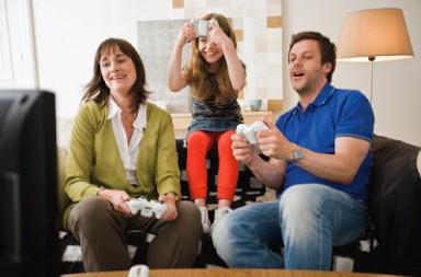 jugar-videojuegos-familia-navidad-kinect-1