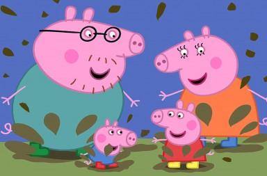 Peppa Pig salta charcos de barro junto a su familia. ENTERTAIMENT ONE