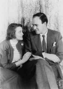 Roald Dahl se casó con la actriz estadounidense Patricia Neal en 1953. Tuvieron 5 hijos.