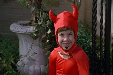 Niño impulsivo. De la película ESTE CHICO ES UN DEMONIO (Problem Child, 1990)