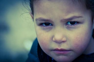 'Si mamá dice blanco, papá dice negro' es un bonito cuento sobre la separación