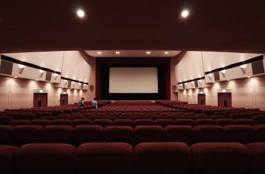 ¿Cuál es el mejor asiento en la sala de cine?