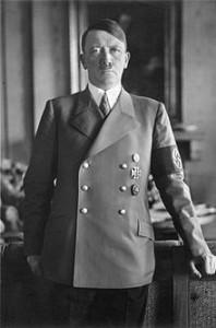 Retrato oficial de Hitler en la cancillería (1938).