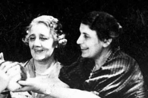 Anna Freud junto a Melanie Klein