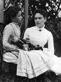 HELEN KELLER y ANNE