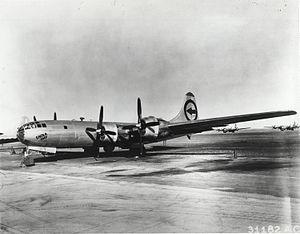 El Enola Gay en 1945.