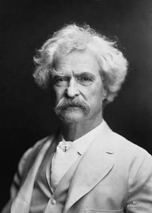 Mark Twain. Fotografía de A. F. Bradley (Nueva York, 1907).