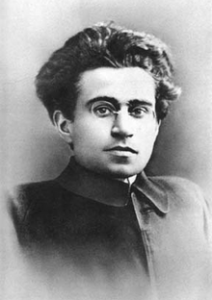 Antonio Gramsci (22 de enero de 1891 - 27 de abril de 1937) fue un filósofo, teórico marxista, político y periodista italiano. Retrato de Gramsci de comienzos de los años 1920.