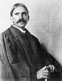 John Dewey (Burlington, Vermont, 20 de octubre de 1859 - 1 de junio de 1952). En la imagen John Dewey en 1902.