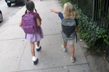Going to School With Charlotte. VUELTA AL COLE