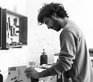 485 Cuento sobre el alzhéimer Pablo Caracol, (Valencia, 1983), ilustrador..