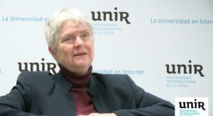 Imagen de la pedagoga sueca Inger Enkvist en la charla de la Universidad Internacional de La Rioja. UNIR