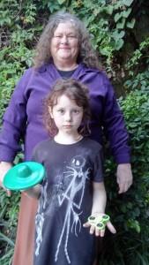Catherine Hettinger, creadora del Spinner, con su nieta Chloe. Fotografía de Richard Luscombe
