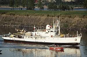 El Calypso arribando a Canadá en 1980.