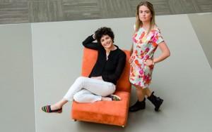 """Francesca Cavallo y Elena Favilli, autoras del libro """"Cuentos de buenas noches para niñas rebeldes"""""""