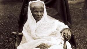 Cuentos de buenas noches para niñas rebeldes. Harriet Tubman, en una fotografía de 1910