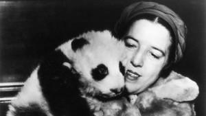 Cuentos de buenas noches para niñas rebeldes. Ruth Harkness regresa a Estados Unidos con Su-Lin