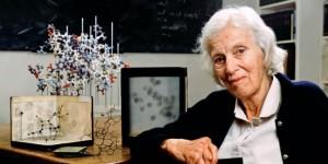 Dorothy Hodgkin, bioquímica y cristalógrafa, en 1989