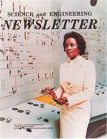 Portada del boletín de Science and Engineering con Annie Easley en el Lewis Research Centre
