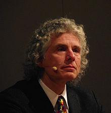 Steven Arthur Pinker nació en Montreal, el 18 de septiembre de 1954. Es un psicólogo experimental, científico cognitivo, lingüista y escritor canadiense.