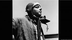 Saint-Exupéry no vivió para ver su obra publicada en Francia, su país natal, donde apareció tras la guerra. Él dejó Nueva York justo cuando se estaba imprimiendo su libro y regresó a Europa, no sin antes dejarles algunas copias de 'El principito' a sus amigos. Murió cuando pilotaba un avión de reconocimiento en 1944, poco antes de la liberación de París.