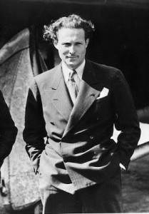 Jean Mermoz (9 de diciembre de 1901– desaparecido en el océano Atlántico el 7 de diciembre de 1936) fue un pionero de la aviación francesa, conocido por sus heroicos raids y travesías como piloto de la «Aéropostale», donde fue compañero y amigo de otros singulares pilotos como Henry Guillaumet, Vicente Almandos Almonacid y Antoine de Saint-Exupéry.