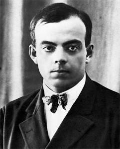 Antoine Marie Jean-Baptiste Roger Conde de Saint-Exupéry1 (Lyon, 29 de junio de 1900 -Isla de Riou, 31 de julio de 1944) fue un escritor y aviador francés, autor de la famosa obra 'El principito'.