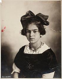 Frida Kahlo a los 11 años, foto tomada el 15 de julio de 1919.