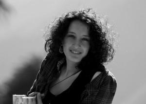 Maria Rodó de Zárate nació en Manresa, en 1986. Es activista feminista e investigadora postdoctoral en el grupo de Género y TIC de la Universitat Oberta de Catalunya (UOC). Sus ámbitos de estudio se centran en las geografías feministas y de las sexualidades, con especial énfasis en la teoría de la interseccionalidad y el derecho a la ciudad.